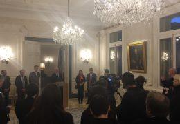 """Immagine """"Patto"""" tra il Primo Ministro di Monaco Serge Telle e stampa: """"Monaco deve parlare a Monaco"""""""