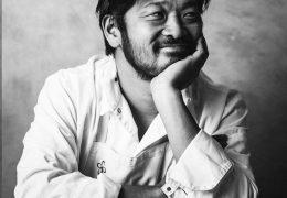 Immagine Keisuke Matsushima insignito del titolo di 'Chevalier de l'Ordre du Mérite Agricole'